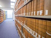 Pilhas da biblioteca de direito Foto de Stock