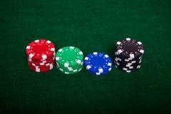 Pilhas da microplaqueta de pôquer Fotos de Stock