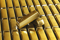 Pilhas de barras de ouro Fotografia de Stock Royalty Free