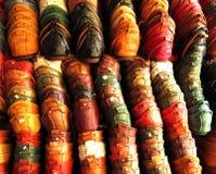 Pilhas de deslizadores de couro coloridos Foto de Stock Royalty Free