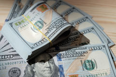 Pilhas de fotografia americana do dinheiro/estúdio de cédulas dos E.U. - Foto de Stock