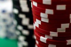 Pilhas de microplaquetas de póquer Fotografia de Stock Royalty Free