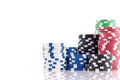 Pilhas de microplaquetas do póquer Fotografia de Stock Royalty Free