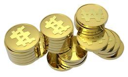 Pilhas de moedas de ouro isoladas no branco Fotografia de Stock
