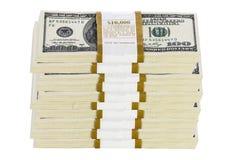 Pilhas de 100 notas de dólar no fundo branco Fotos de Stock Royalty Free