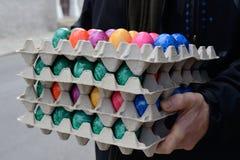 Pilhas de ovos manchados fotos de stock royalty free