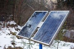 Pilhas de painéis solares Foto de Stock Royalty Free