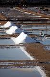 Pilhas de sal foto de stock