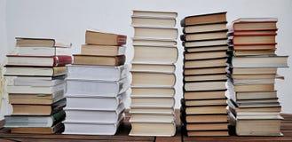 Pilhas dos livros fotos de stock