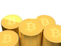 pilhas douradas da moeda de 3D Bitcoin Imagens de Stock