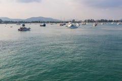 Pilier à la baie de Chalong, Phuket, Thaïlande Image libre de droits