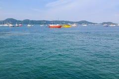 Pilier à la baie de Chalong, Phuket, Thaïlande Image stock