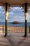 Pilier Angleterre de bandstand de Brighton images stock