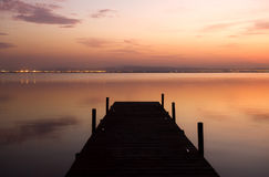 Pilier au coucher du soleil images stock