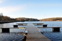 Pilier au lac Photo stock