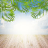 Pilier avec le ciel sur le lever de soleil Image libre de droits