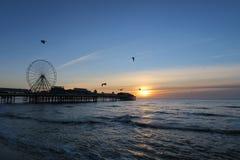 Pilier central de Blackpool, coucher du soleil images stock