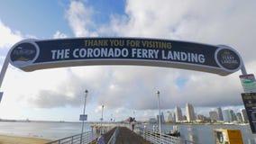 Pilier d'atterrissage de ferry de Coronado - la CALIFORNIE, Etats-Unis - 18 MARS 2019 banque de vidéos