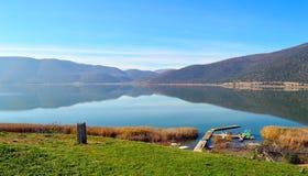 Pilier dans le lac Photographie stock