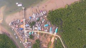Pilier dans le village de pêche Image libre de droits