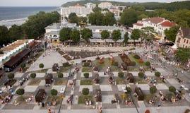 Pilier dans Miedzyzdroje, ville de vacances en Pologne Photographie stock