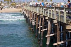 Pilier de la plage CA de Newport image stock
