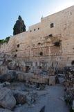 Pilier de la voûte de Robinson avec des boutiques, Israël Image stock