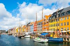 Pilier de Nyhavn à Copenhague, Danemark photos stock