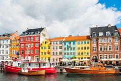 Pilier de Nyhavn à Copenhague, Danemark image libre de droits