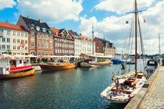 Pilier de Nyhavn à Copenhague, Danemark photographie stock