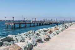 Pilier de pêche au parc d'Embarcadero à San Diego photos libres de droits