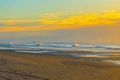 Pilier de pêche Destroyed outre du parc d'état de Myrtle Beach Images stock