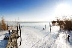 Pilier de pêcheur au lac Balaton, Hongrie photos stock