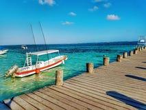 Pilier de plage de Puerto Morelos image libre de droits