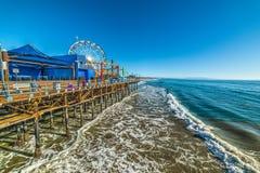 Pilier de Santa Monica un jour ensoleillé photographie stock libre de droits