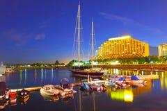 Pilier de yacht de Gold Coast au temps de coucher du soleil Image libre de droits
