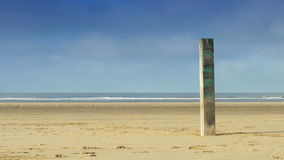 Pilier en bois à la plage 4K Photo libre de droits