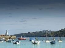Pilier et bateau de St Ives Smeaton photos libres de droits