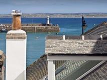 Pilier et dessus de toit de St Ives Smeaton photos libres de droits