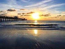 Pilier et l'océan Photographie stock