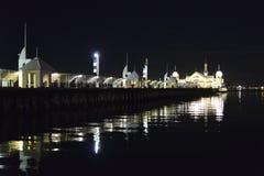 Pilier Geelong de Cunningham réfléchissant une nuit tranquille Image stock