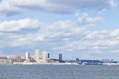 Pilier 84, nouveaux immeubles de port et Houston River Image libre de droits