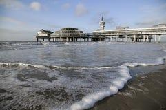 Pilier sur la plage de Scheveningen à la Haye Images libres de droits