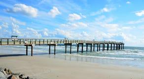 Pilier sur la plage de St Augustine Image stock