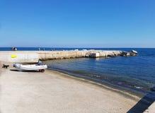 Pilier sur le littoral de la mer Méditerranée à Barcelone, Espagne Image libre de droits