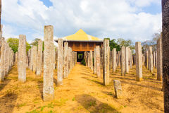Piliers d'airain H avant de pierre de palais d'Anuradhapura photos stock