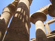 Piliers de Karnak d'Egyptien Photographie stock libre de droits