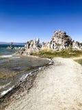Piliers de lac salin soda dans le comté de Mono la Californie photos libres de droits