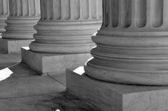 Piliers de loi et de justice Images libres de droits