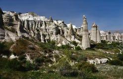 Piliers de roche volcanique en vallée d'amour, Cappadocia, point de repère célèbre Images libres de droits